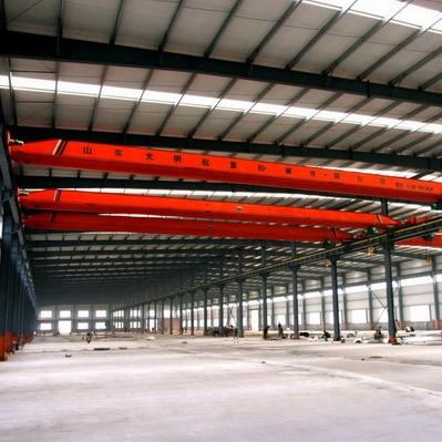 采光行车内景钢结构厂房